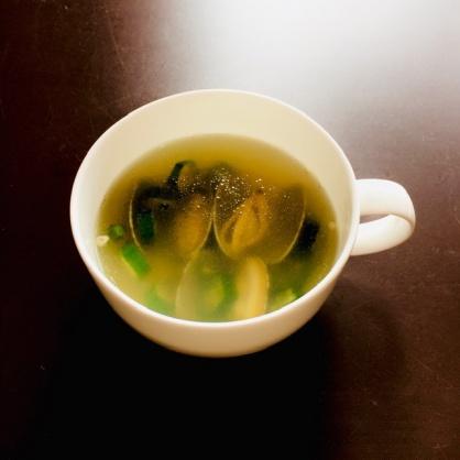 オクラとアサリのスープ