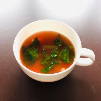 小松菜とベーコンのトマトスープ